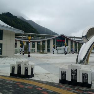 陝西佛坪高鐵站廣場pvc花箱工程
